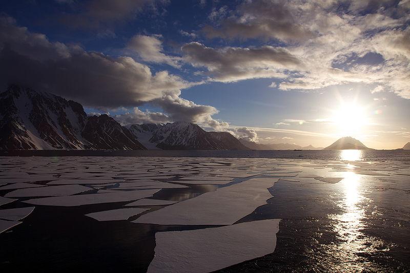 Midnight sun Antarctica.jpg