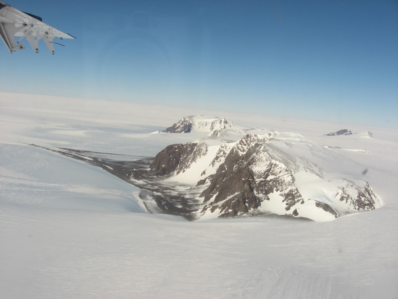 Thiel Mountains air.jpg