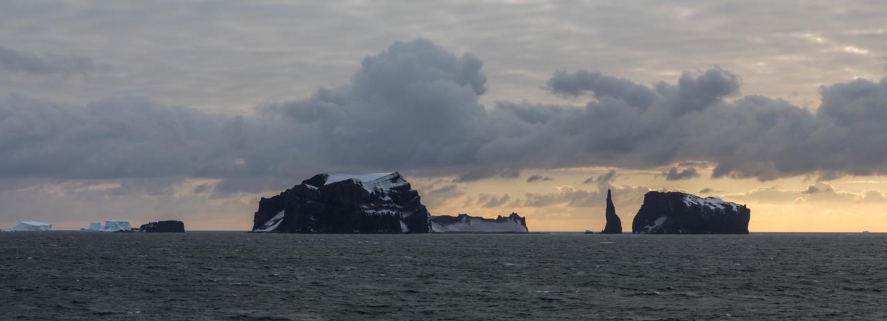 Chinstrap Island.jpg