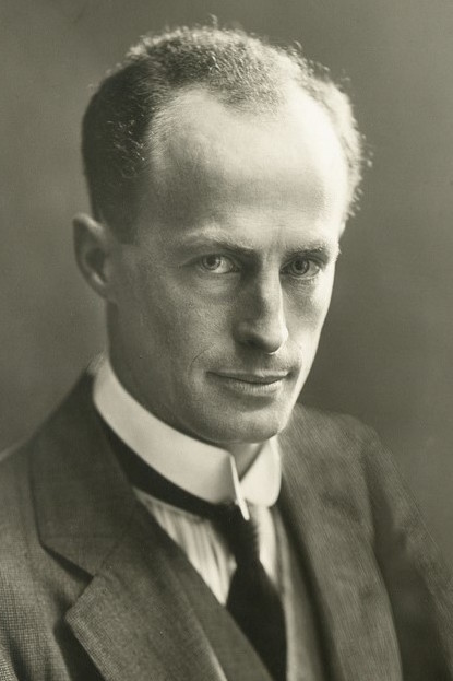Douglas Mawson 1914a.jpg